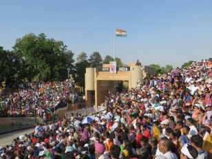 Thousands come every day to watch the border between India and Pakistan close