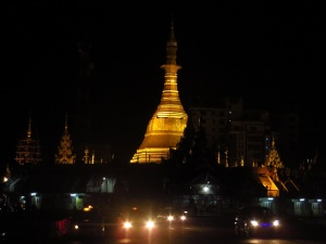 Sule Pagoda at night