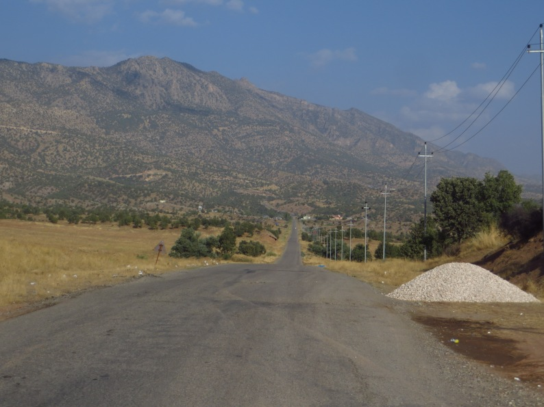 The road towards Bamarne