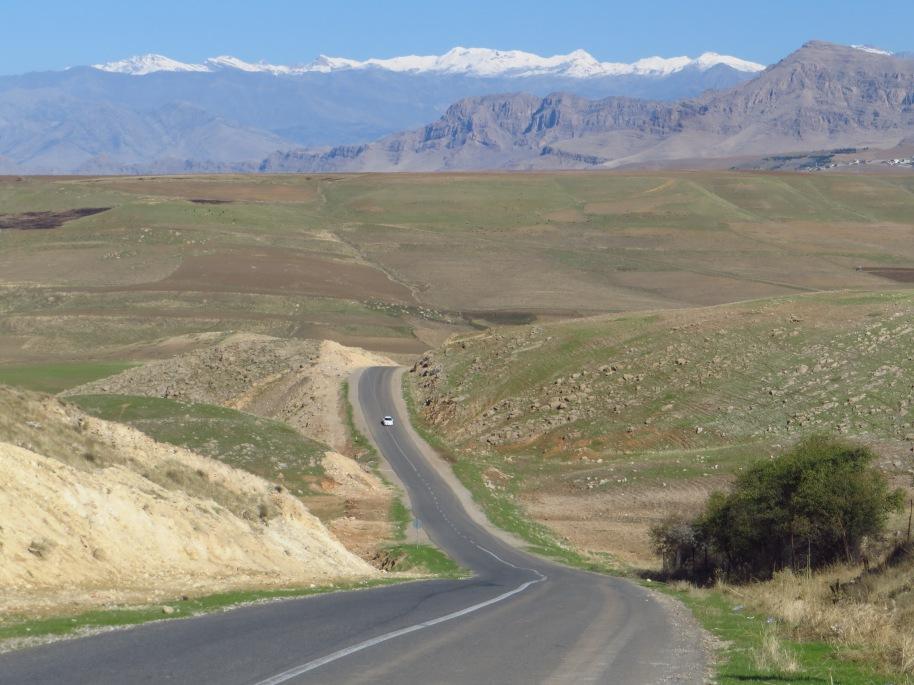 Heading down the eastern edge of Lake Dokan in the direction of Welati-Ciya